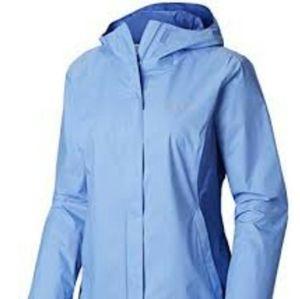 Columbia Periwinkle Omni tech Rain coat med